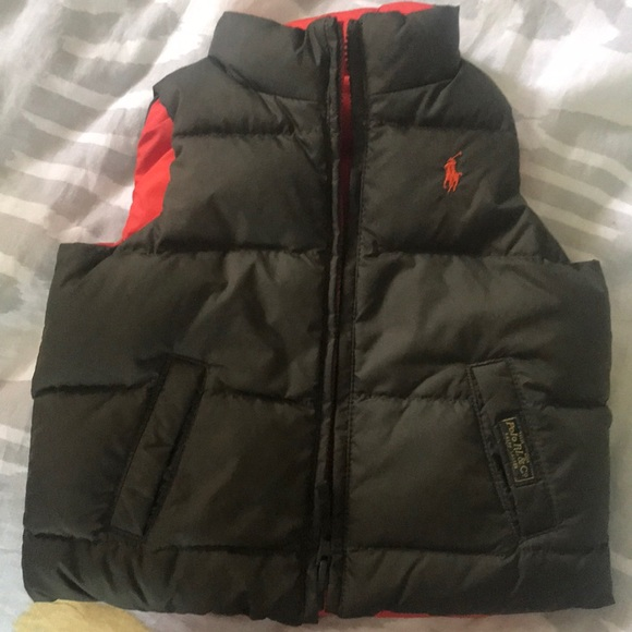 784aa0154c320 Toddler reversible puffy down vest. M 5b47b864c89e1d599cd2841d
